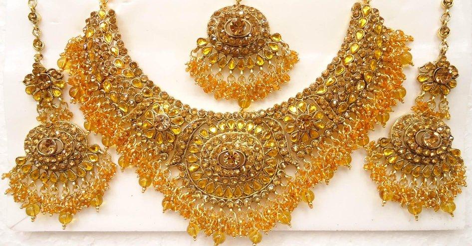 JEWELLERY : GOLD , SILVER, PRECIOUS STONES